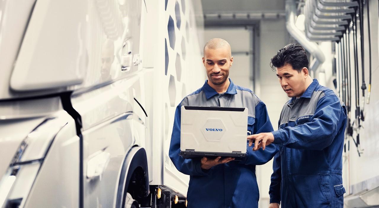 Послуги служби Genuine Volvo Service в поєднанні з оригінальними запчастинами Volvo